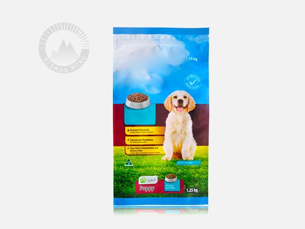 日山红浅析宠物食品包装袋的密封性的重要性